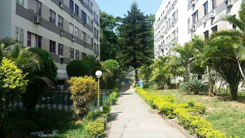 Área de entrada do apartamento.
