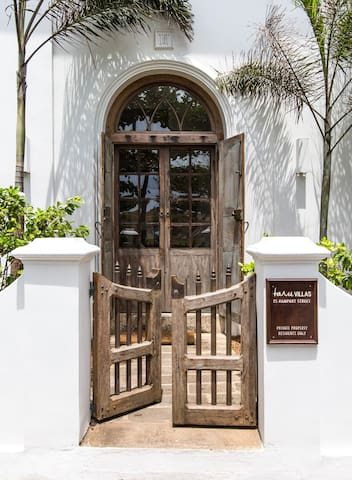Heritage Villa in Galle Fort with 25% Flash Offer