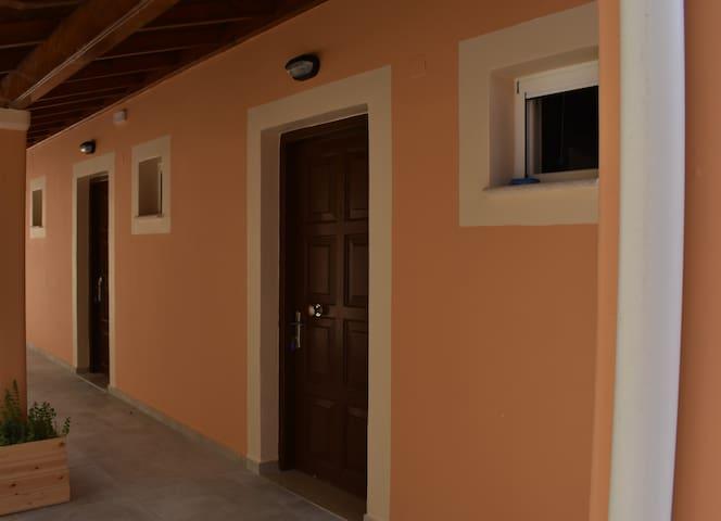 Patras Studio 2