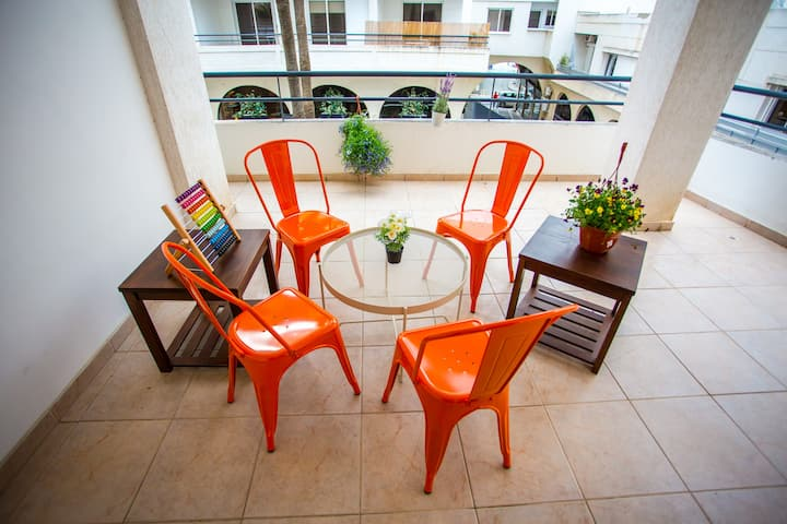Perfectly Located | 400m to the Beach | Balcony