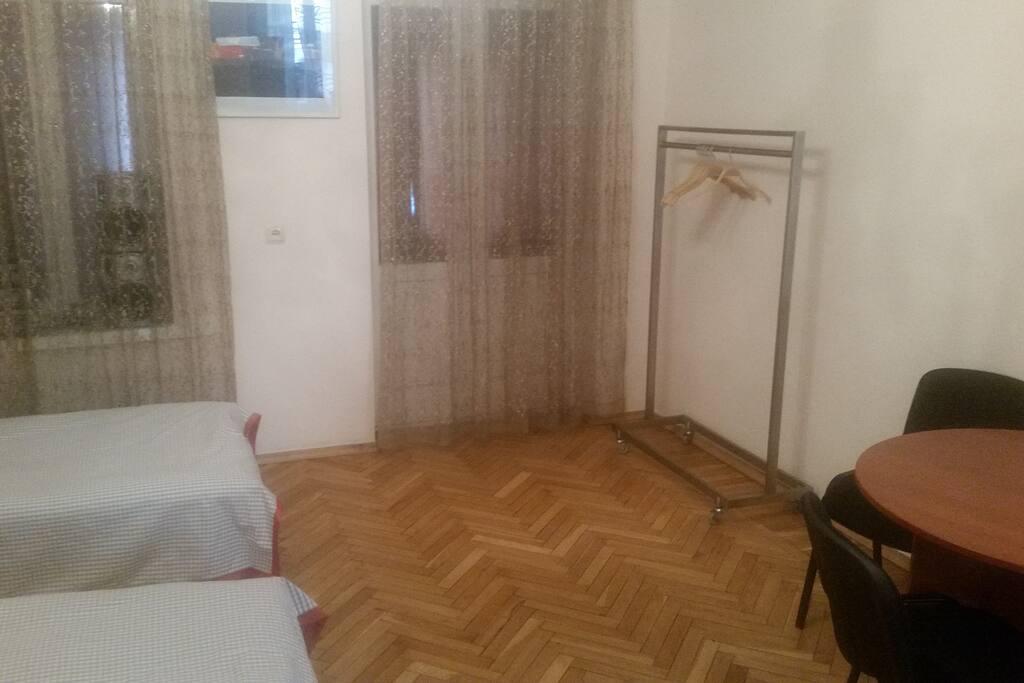 3 Beds Room (1)