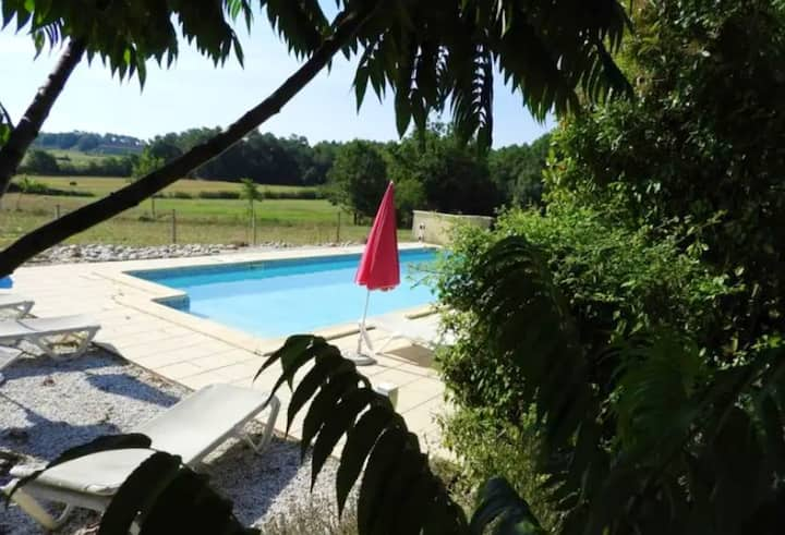 Villa with 4 bedrooms in Saint-Remy, with wonderful city view, private pool and enclosed garden