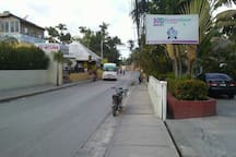 Picture shows local bus on left, posada de Gladys restaurant is s on right, turn right to my happy casa