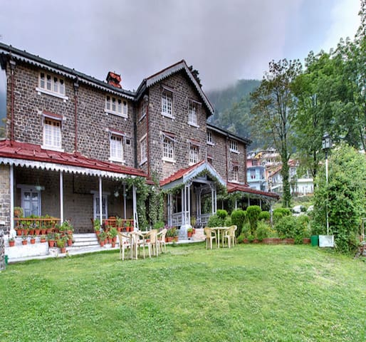 Luxurious Stays amidst the Hills of Nainital