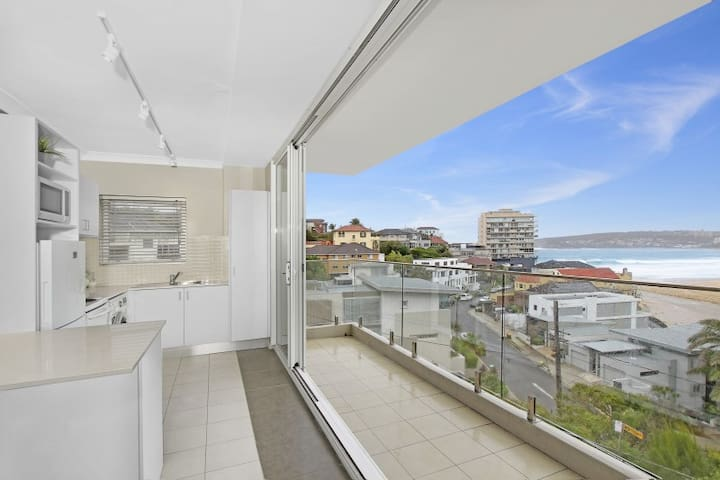 1 bedroom in with spectacular beach views