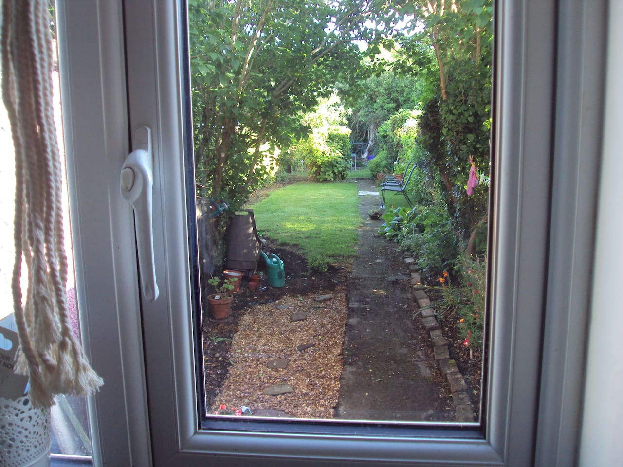 view from kitchen to back garden