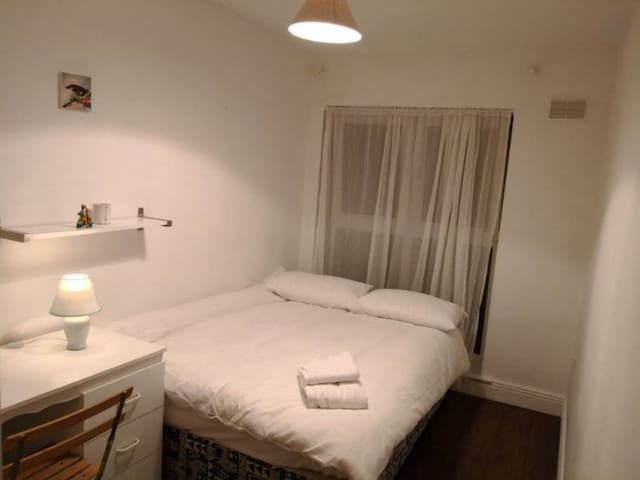 Large Double Bdrm Trinity College Dublin Quiet