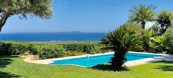 Villa d'exception vue mer piscine jacuzzi tennis