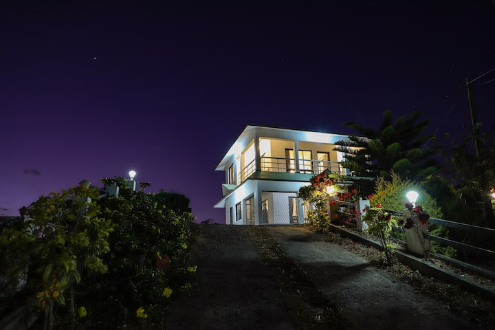 The Nest Villa -2 BR with Views,Bonfire & Barbecue