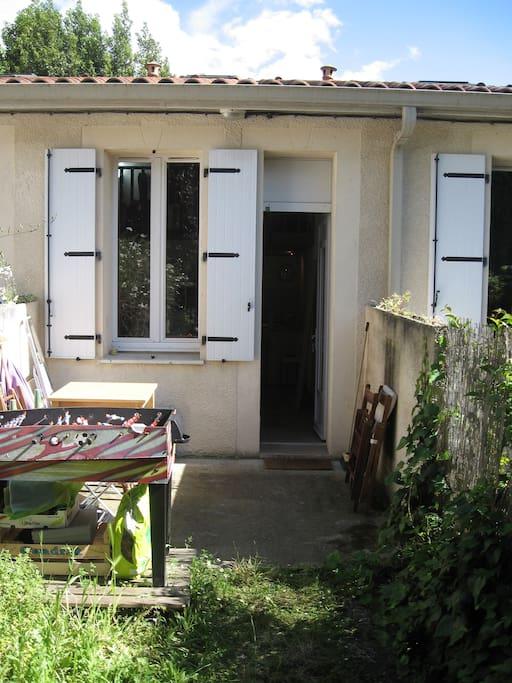Duplex et jardinet gare la victoire appartements for Location appartement t2 bordeaux victoire