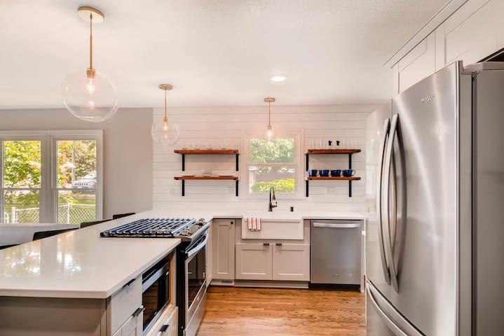 Open Floor Plan, Chef's Kitchen, Dog Friendly