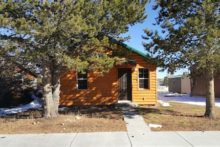 Charming and comfortable Cabin - Pinedale