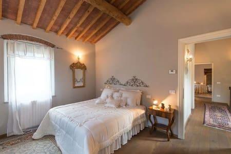 Villa mulino di bacchereto - Carmignano - Villa