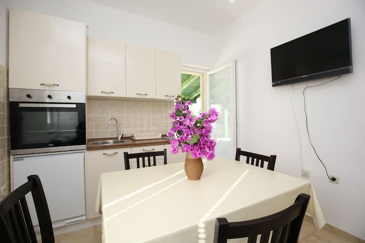 (B2) Most Charming Apartments on Iž - Zadar - Appartement