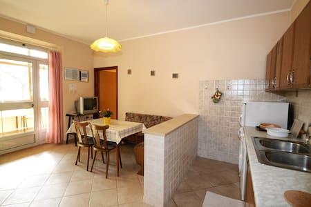 Appartamenti Luccila B - ยูแมก - อพาร์ทเมนท์