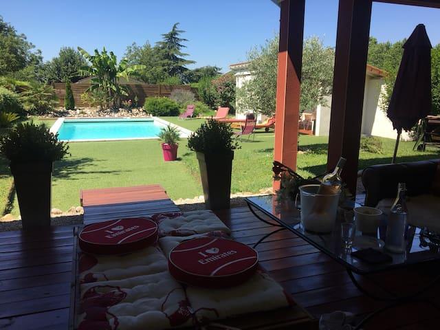 Villa 6 pers calme piscine Perouges - Charnoz-sur-Ain - บ้าน
