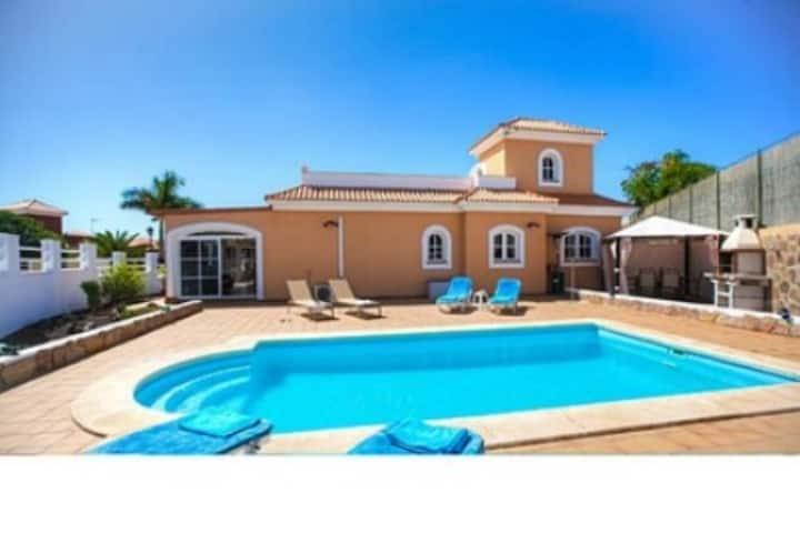Casa con piscina, wifi, bbq en Antigua, Las Palmas