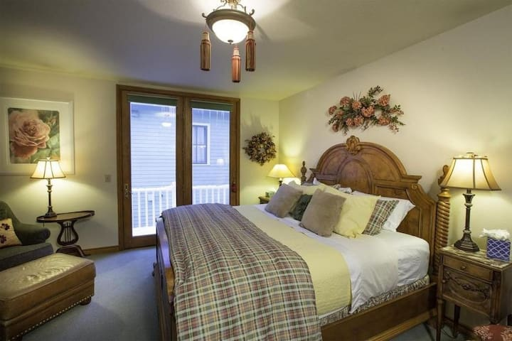 Wildwood Canyon Inn-Alpen Rose Room - Telluride - Casa