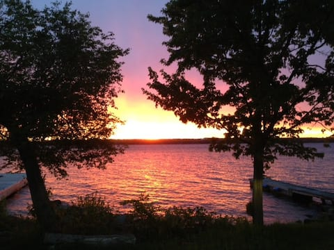 Cottage Getaway 2021 on Scenic St. Lawrence River