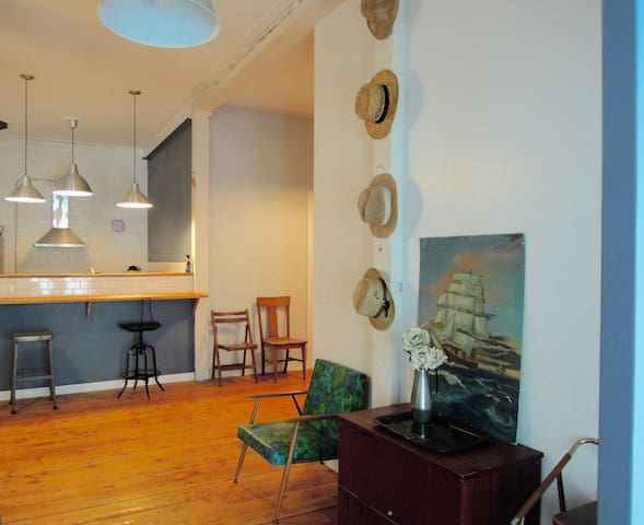 Spacious Loft Minutes From Downtown - Providence - Loft