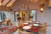 Rooibos Bush Lodge - Enjoy outside dining on the patio