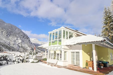 Holiday apartment with 2 bedrooms on 105m² in Elmen