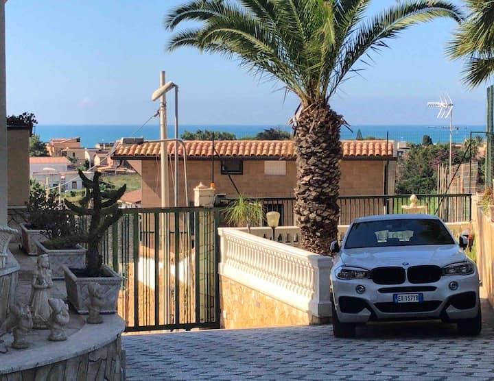 B&B Villa Marinetti  ...soggiornare rilassandosi.