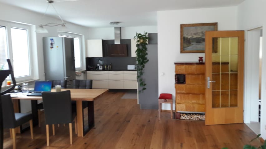Moderne Wohnung direkt in Lienz mit großem Balkon - Lienz - Apto. en complejo residencial