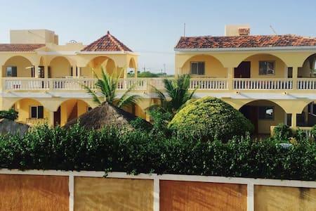 La Villa Serere à Popenguine - Popenguine - Casa de hóspedes