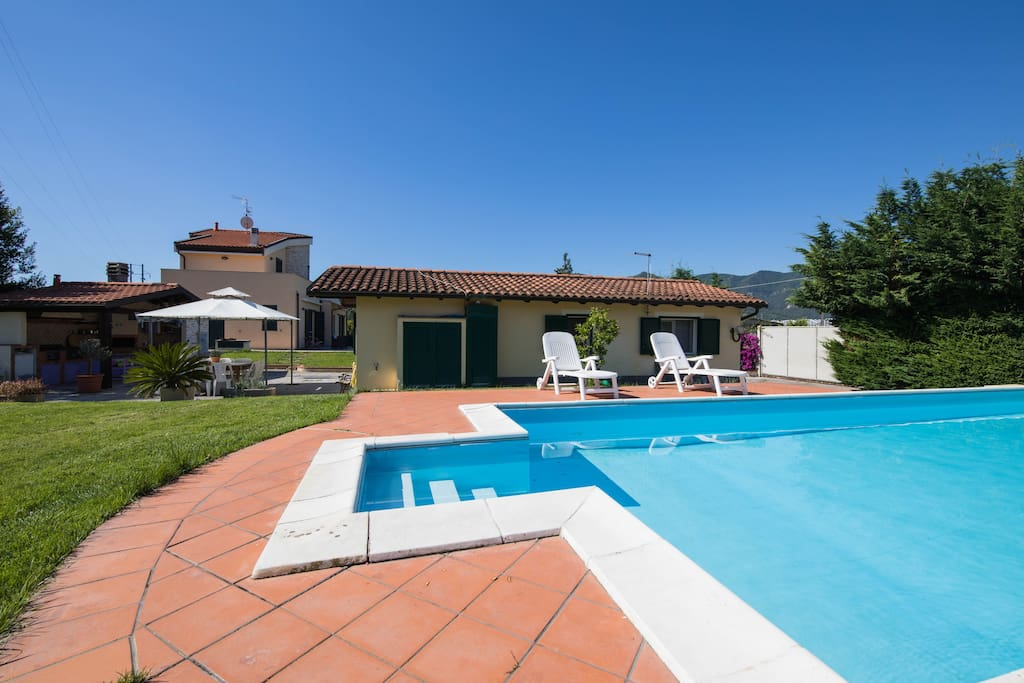Villettina in campagna con piscina guesthouses for rent for Aki piscinas