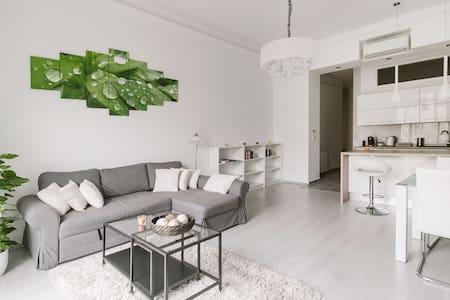 Modern apartment by Karolyi Garden - Budapest - Wohnung