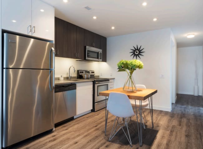 BEL  APPARTEMENT - Winnipeg - Apartment