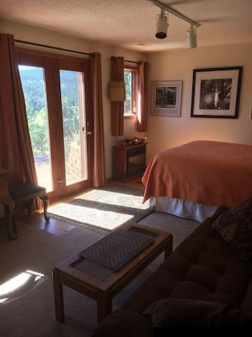 Sunny Nest Guest Room - Nederland