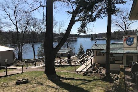 Lakeside Leisure Cabin