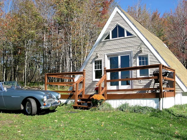 SunnyHill Summit Retreat - Stamford - Chalet