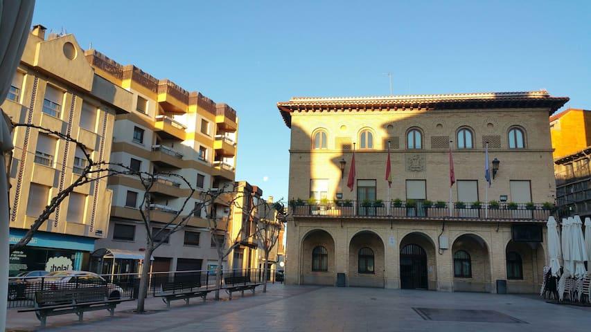 Con vistas al ayuntamiento Peralta - Peralta - Apartamento