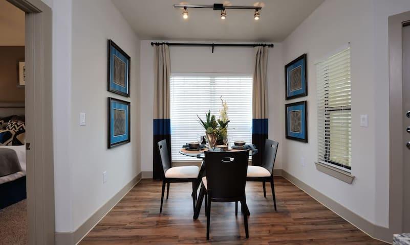 Spacious 2 bedroom Suite