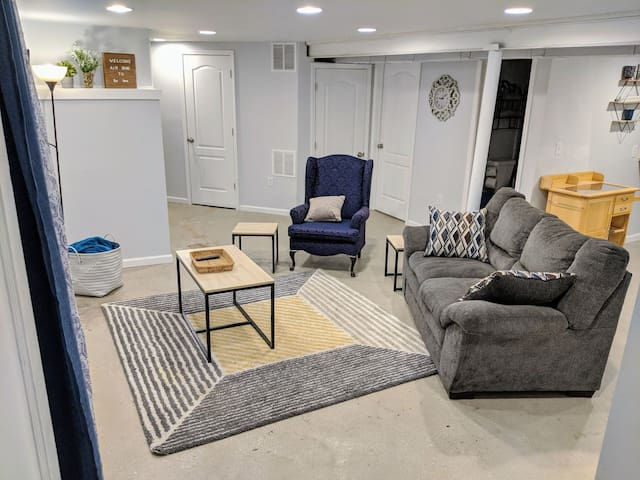 Cozy private basement in South KC