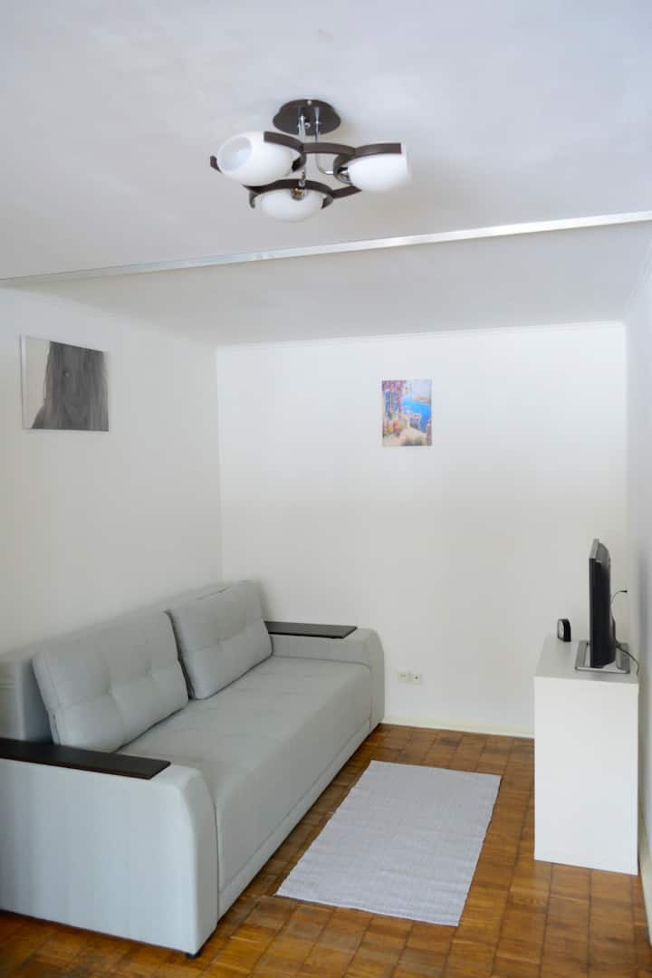 Cosy apartment near Svyatoshyn and Nyvky metro
