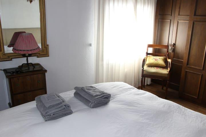 Sankt Moritz Cozy Apartment (in Celerina) - Celerina/Schlarigna - Apartamento