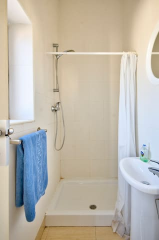 Villa Belview - Quadruple Room - Swieqi - วิลล่า