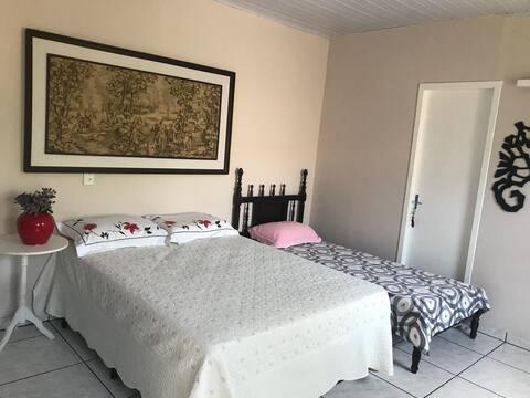 Confortável Suite em casa próxima à  Praia Ubatuba