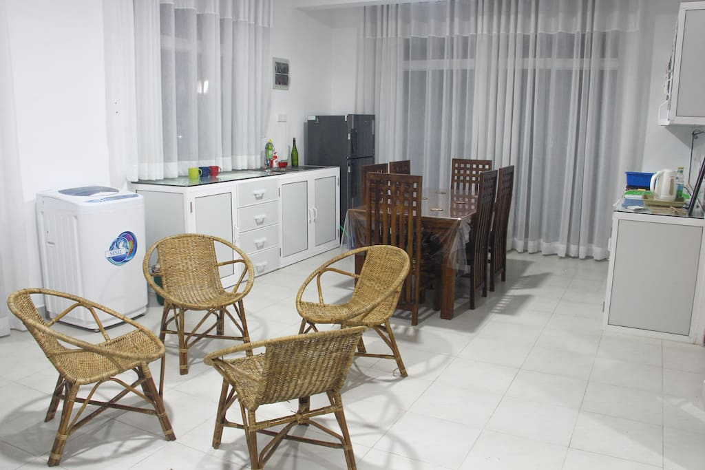 Brand new property, 15 minutes away from the historic Kandy city with easy access to many popular tourist destinations.