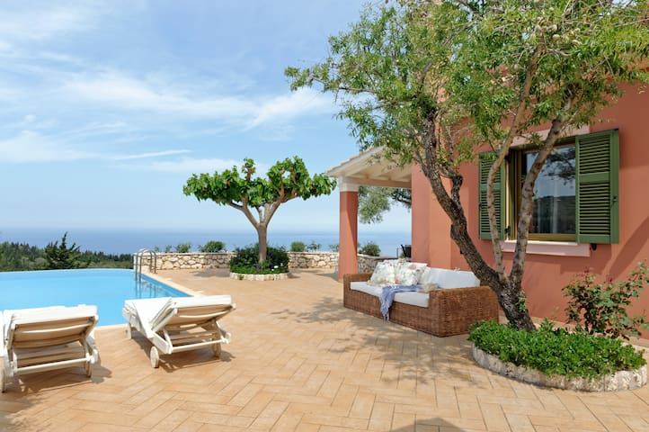 Villa Camelia with Private Pool - Tsoukalades - Villa