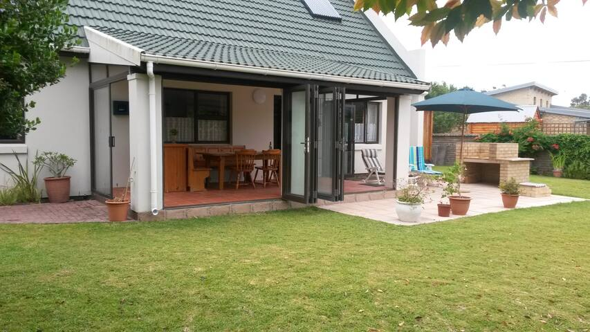 Comfort and relaxation at Lavendel Cottage - Sedgefield - House