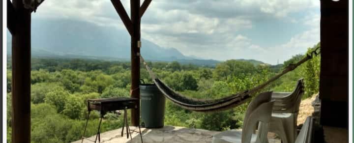 Cabaña con una magnífica vista a la sierra