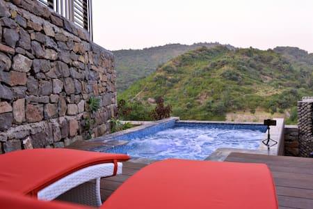 Ultra Luxurious Resort- Simly Dam