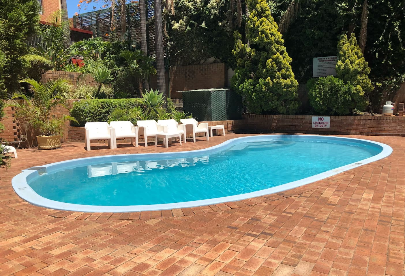 Swimming pool perfect for a cooling relaxing dip after exploring Perth's many attractions