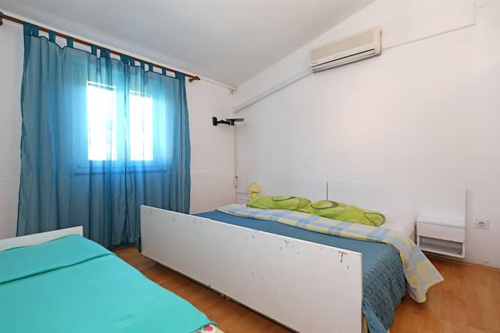 Room, seaside in Starigrad Paklenica