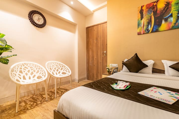 Rustic Studio -Easily access from Borivali station